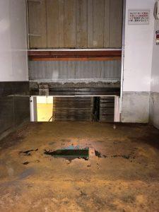 エレベーターの床板交換作業イメージ1